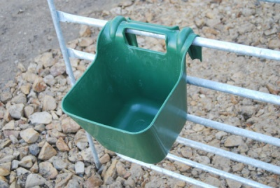 Fisher Alvin P113 Hook Over Feeder