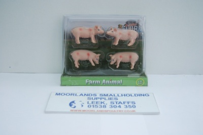 Kids Globe Pigs 1:32 Scale