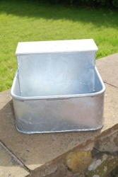 9lt FISHER ALVIN AUTOMATIC DRINKING TROUGH