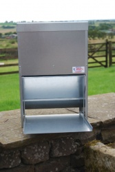 HEAVY DUTY 17.5kg GALVANISED TREADLE POULTRY FEEDER