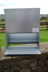 HEAVY DUTY 35kg GALVANISED POULTRY TREADLE  FEEDER